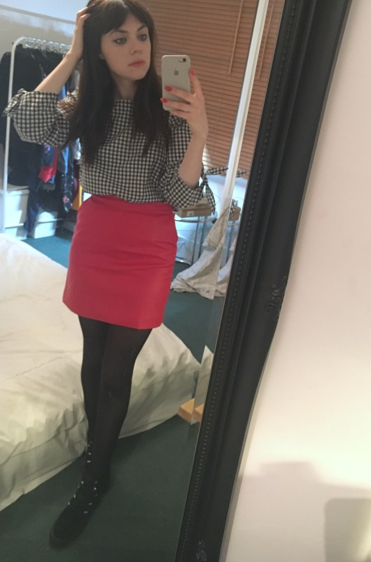 red-skirt-outfit-styling-blogger-fashion-topshop